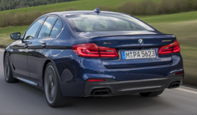 全新BMW M550i配备了526bhp的涡轮增压V8发动机