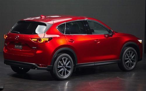 马自达展示了新款CX-90 SUV的装饰级别细节
