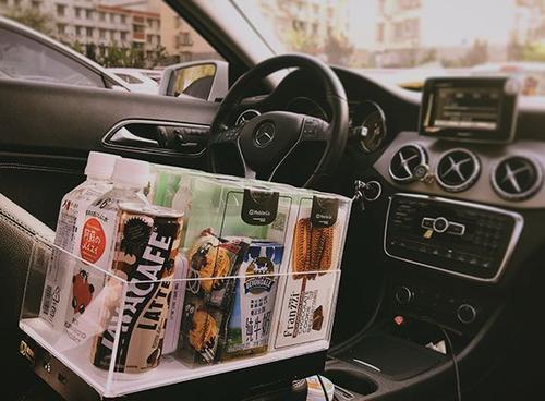 货物车载便利店为您的优步带来零食和口香糖