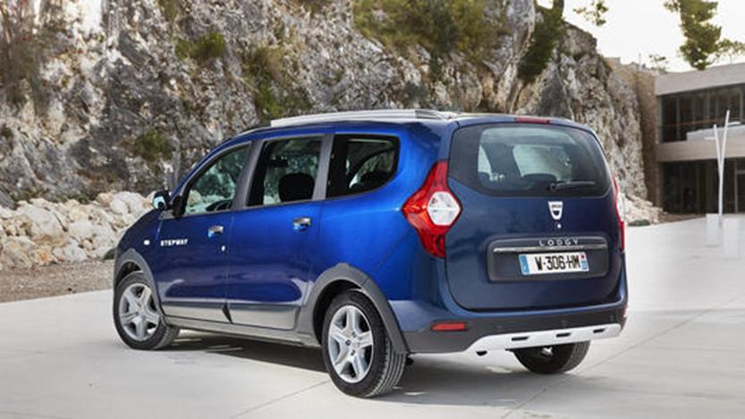 全新Dacia Dokker与当前模型一起进行点测试