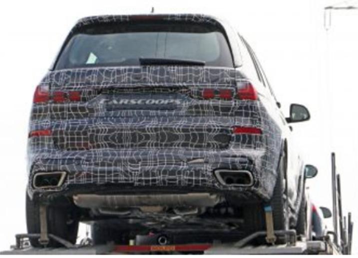 宝马X7在准备与梅赛德斯GLS战斗时炫耀其超大型造型