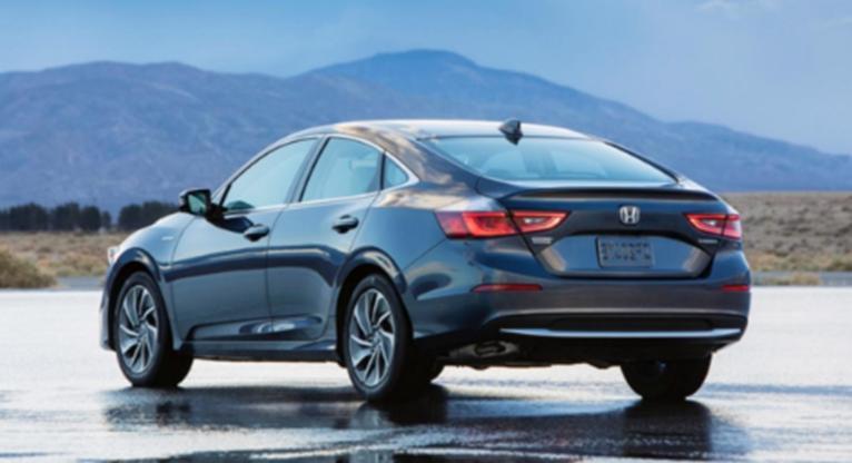 2020年的本田Insight是一款全新的紧凑型混合动力轿车