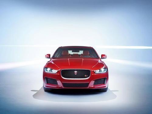 Jaguar XE出现在交通中传闻有轻度混合动力