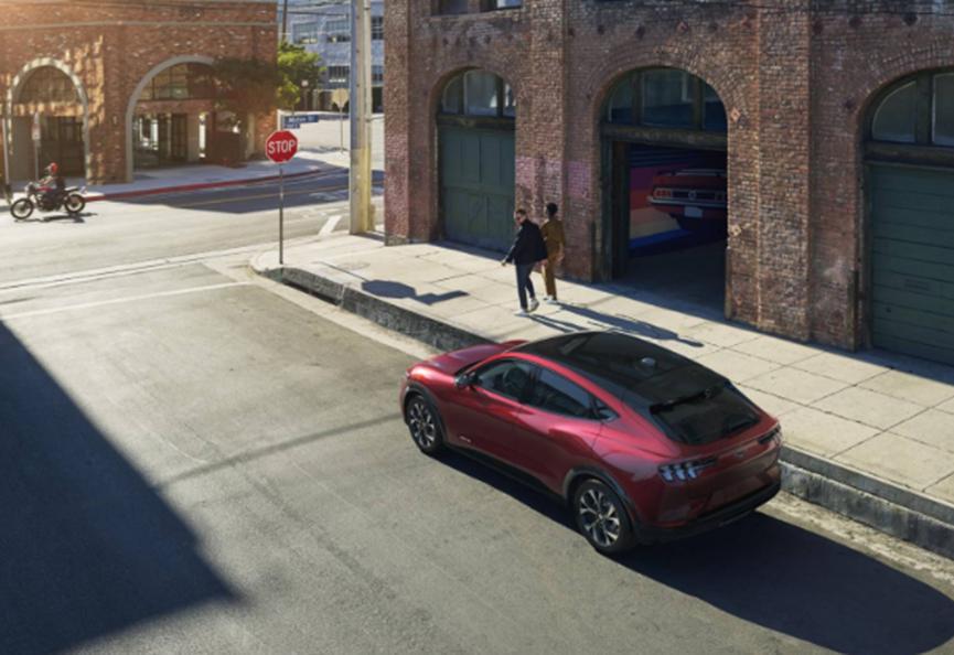 福特SYNC 4首次亮相:野马Mach-E高科技仪表板登场