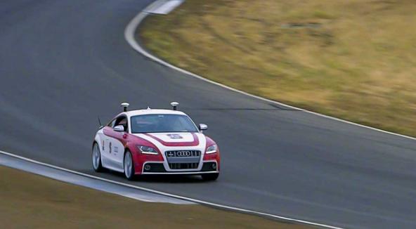 斯坦福的自动驾驶汽车进入赛场