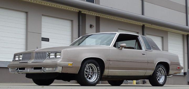 1984年Oldsmobile Cutlass Supreme出售:影片
