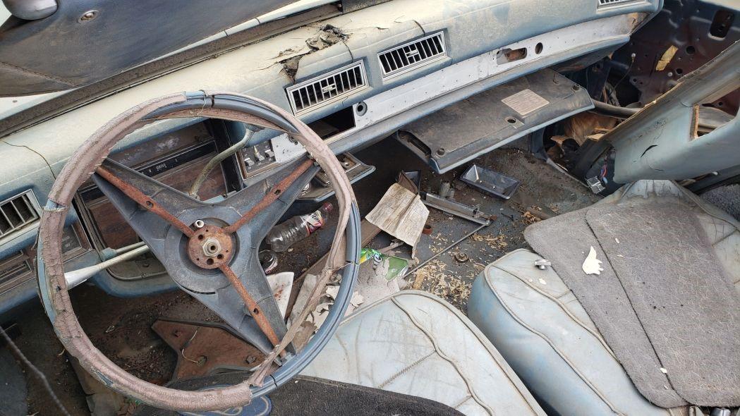 垃圾场宝石:1976年的凯迪拉克Eldorado敞篷车