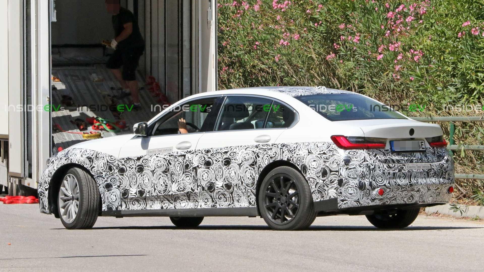 电动BMW 3系再次加长,这是长轴距的