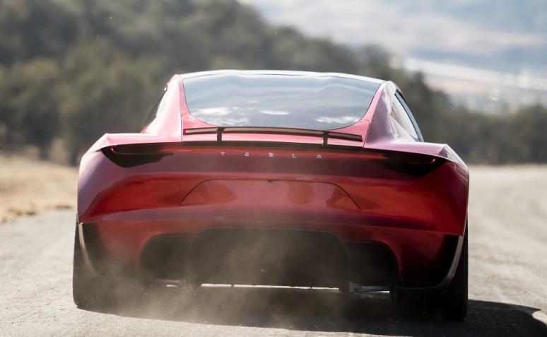 马斯克表示特斯拉跑车将在2021年底之前发布