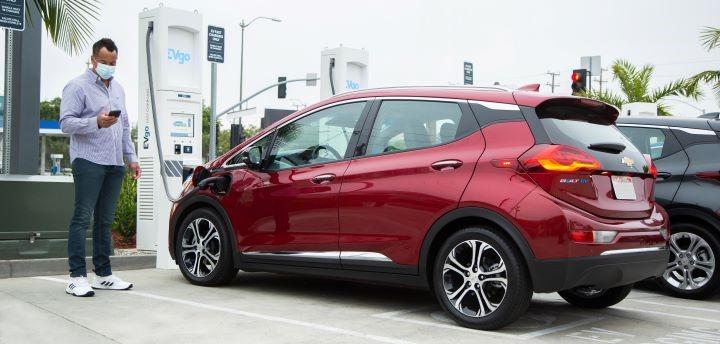 通用汽车和EVgo在全国范围内增加2,700个电动汽车快速充电器