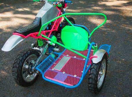 将这辆杜卡迪ST4改装成狂野的三轮摩托车