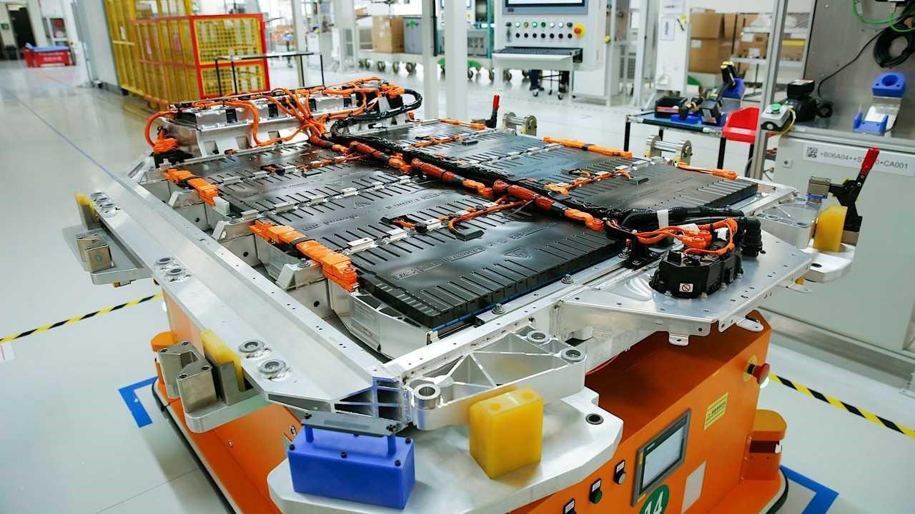 华晨宝马汽车公司开始生产第五代电池
