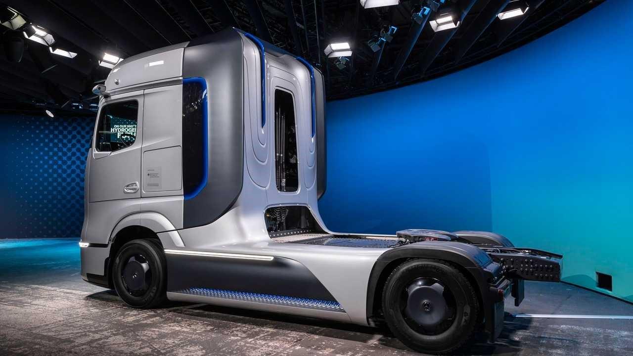 戴姆勒推出GenH2卡车燃料电池概念卡车