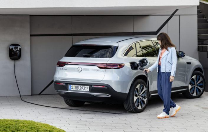 2021梅赛德斯-奔驰EQC升级为11kW充电器
