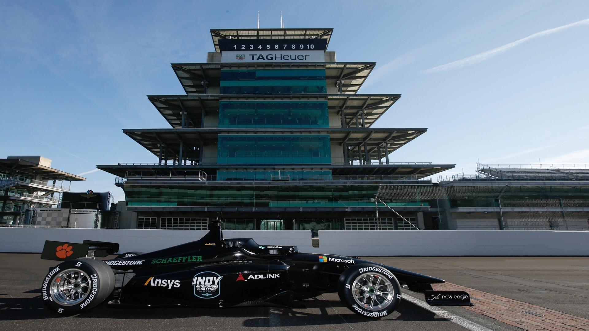 印地自动驾驶挑战赛推出100万美元的Dallara内置赛车