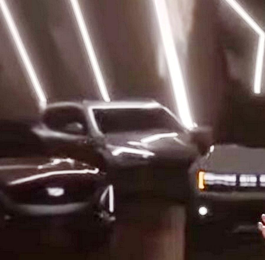 通用汽车发布会上,电动SUV上出现了克尔维特式前灯