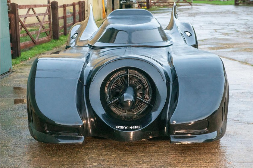 这辆超级酷的蝙蝠车复制品是合法上路的