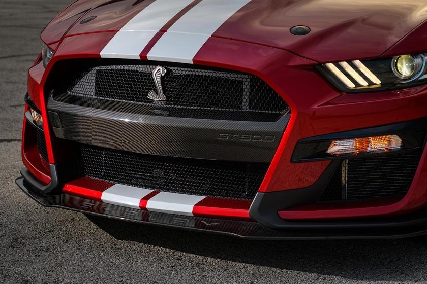 福特野马谢尔比GT500的碳纤维部件看起来更刻薄
