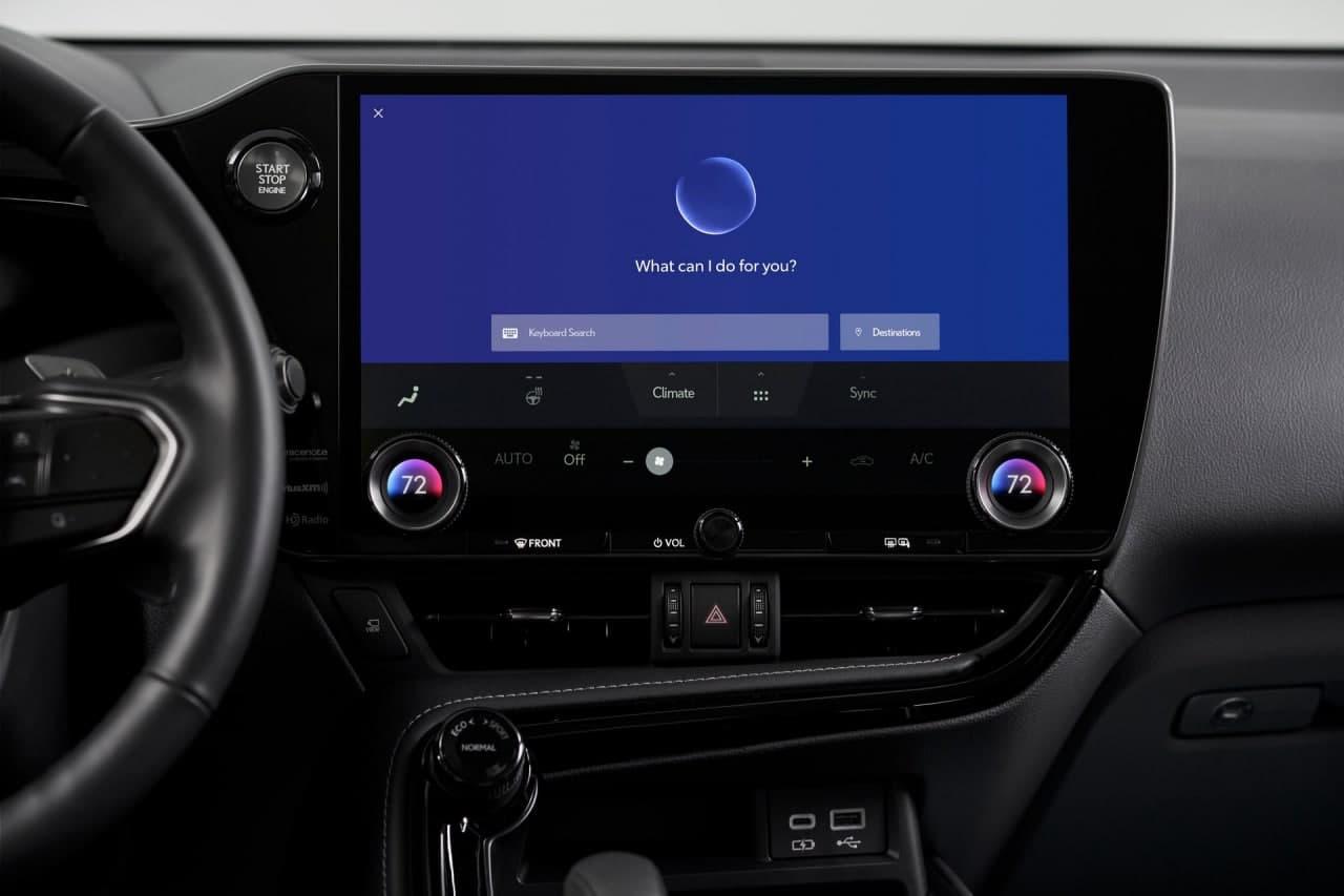 雷克萨斯类似智能手机的界面是未来的触摸和语音信息娱乐系统