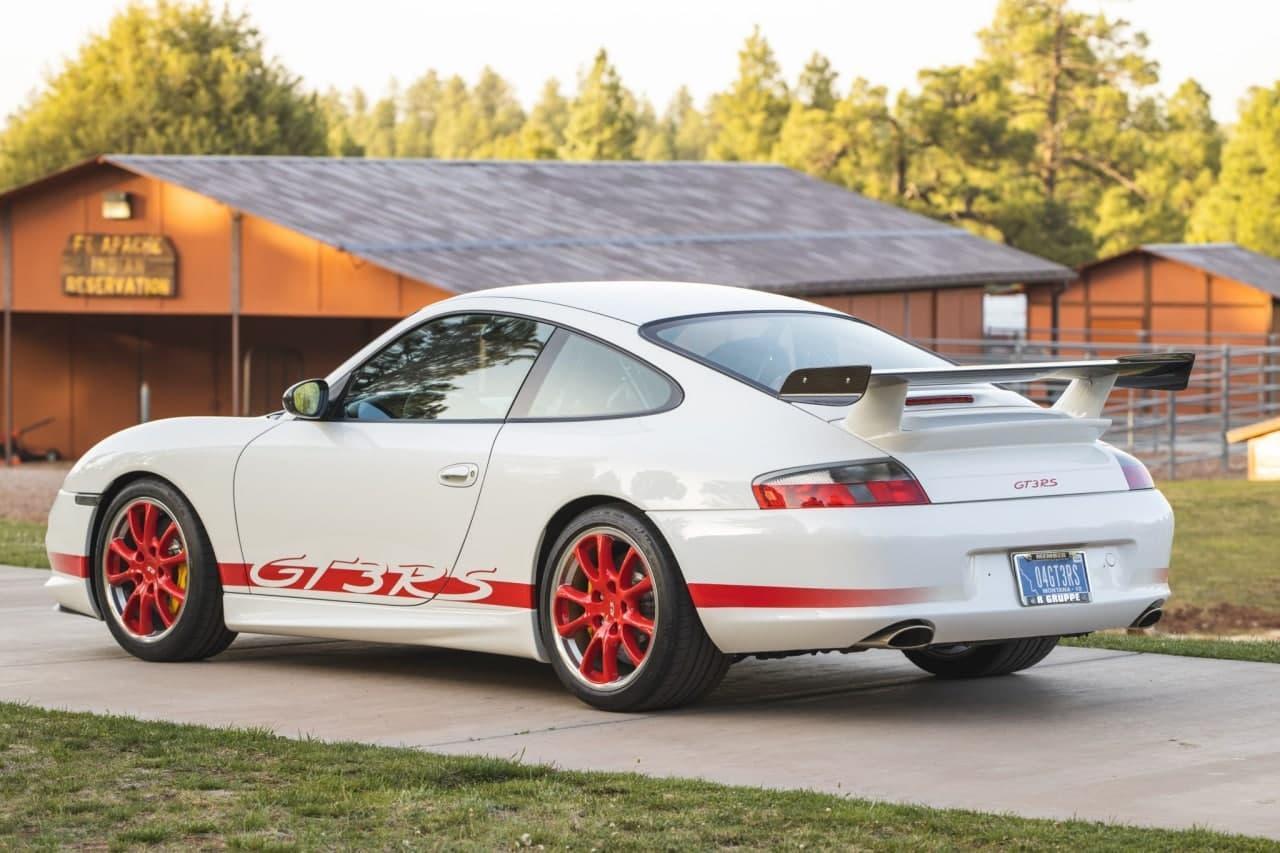 2004年保时捷911 GT3 RS在美国道路上非常罕见
