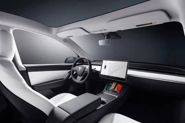 2022 年特斯拉 Model Y 开始生产 RHD,因为欧洲的发布面临挫折