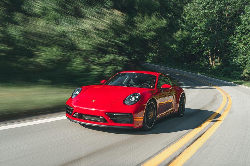 2022 款保时捷 911 GTS 更接近成熟的 GT 汽车