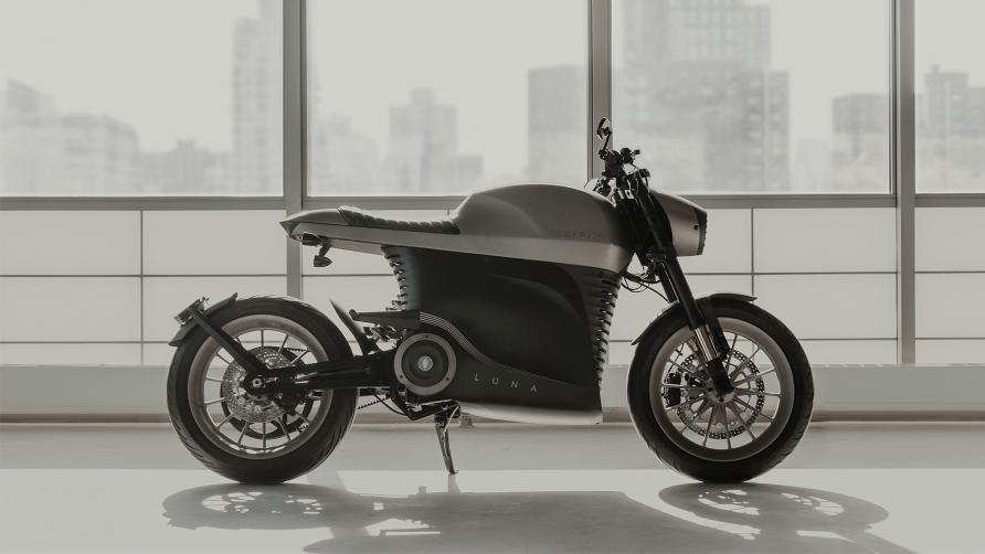 这辆电动摩托车旨在成为一个看门人