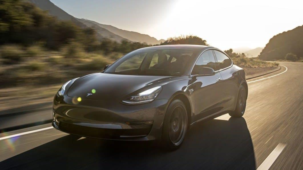 特斯拉报告第三季度交付了创纪录的 241,300 辆汽车