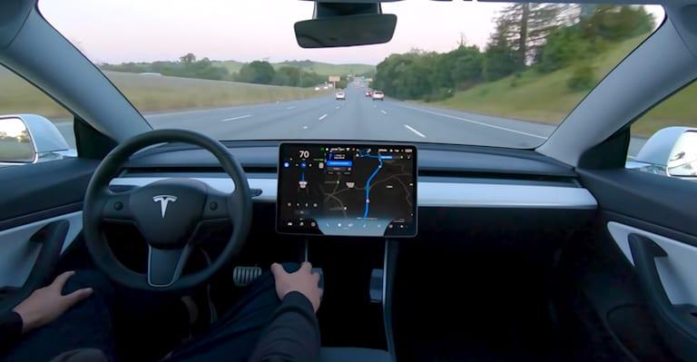 特斯拉取消了完全自动驾驶用户的保密协议
